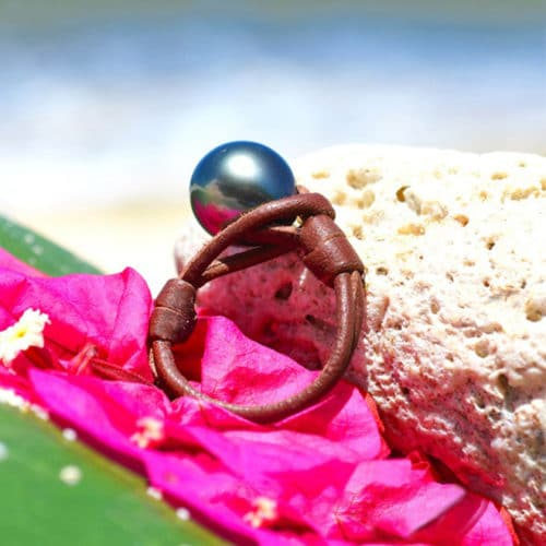 Bague avec une perle noir de Tahiti - 11.5mm