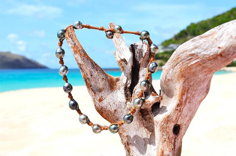 Collier / bracelet avec 17 perles de Tahiti