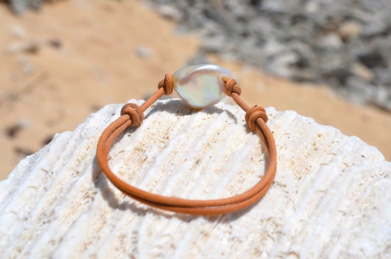 Adjustable bracelet with Freshwater Keishi