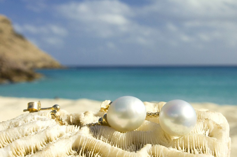 Australian white pearl earrings - 10.5mm