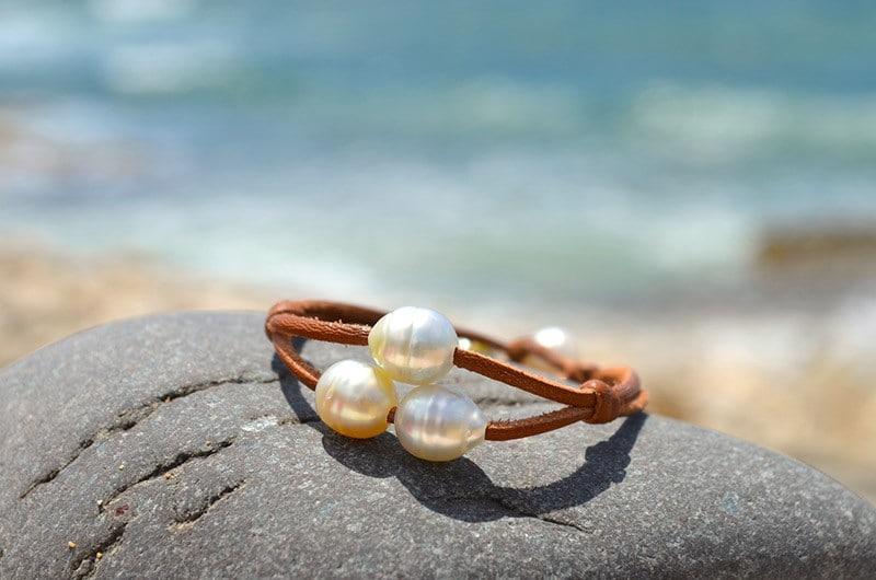 Bracelet 2 rows 3 Australian Pearls