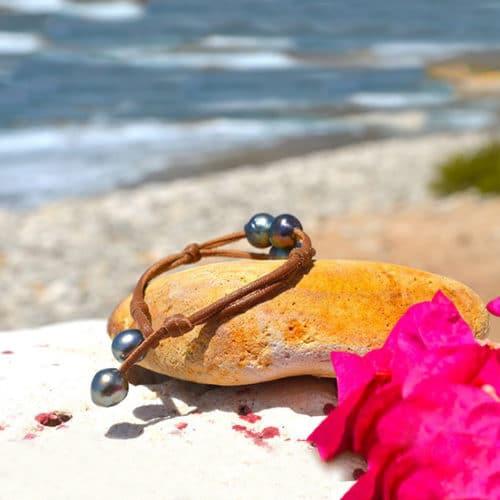 Bracelet 2 rows 3 baroque Tahitian Pearls