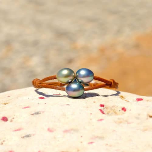 Bracelet 2 rows 3 semi-baroque Tahitian Pearls