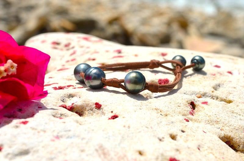 Bracelet 3 perles de Tahiti nœuds - 11mm