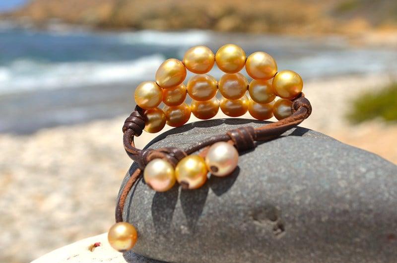 Bracelet 3 rangs 20 perles dorées d'Australie