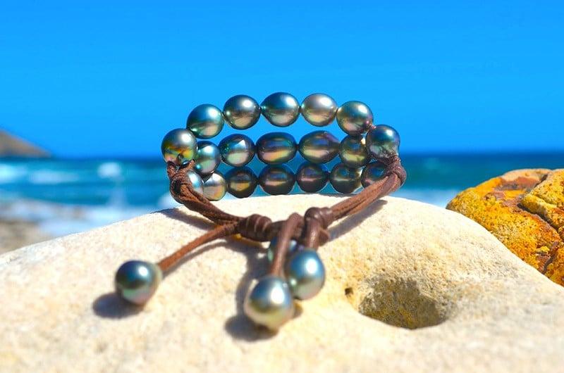 Bracelet 3 rangs 20 perles semi-baroques de Tahiti