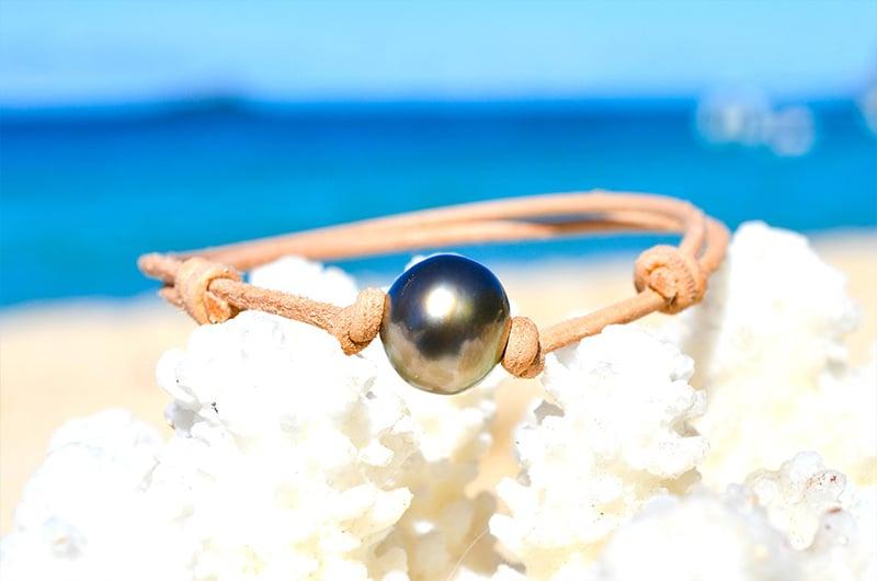 Bracelet ajustable en cuir une perle de Tahiti (12mm)