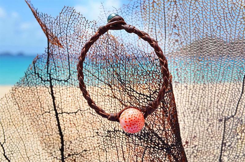 Bracelet perles corail et Tahiti