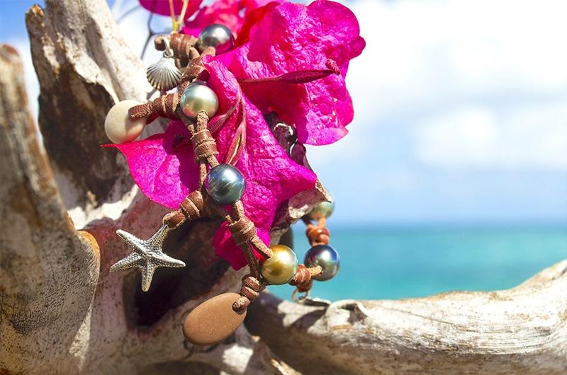 Bracelet perles de Tahiti et galets de rivière