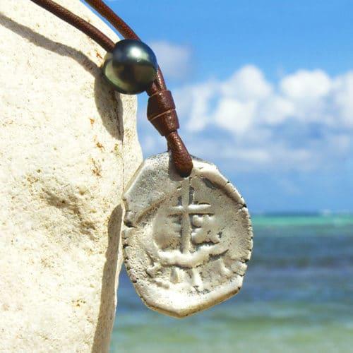 Collier pendentif pièce de pirate