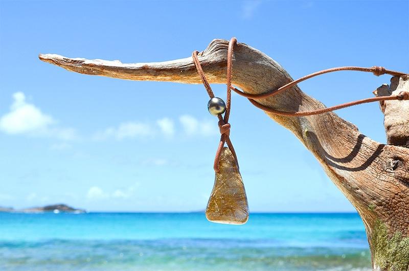 Collier pendentif quartz perles de Tahiti