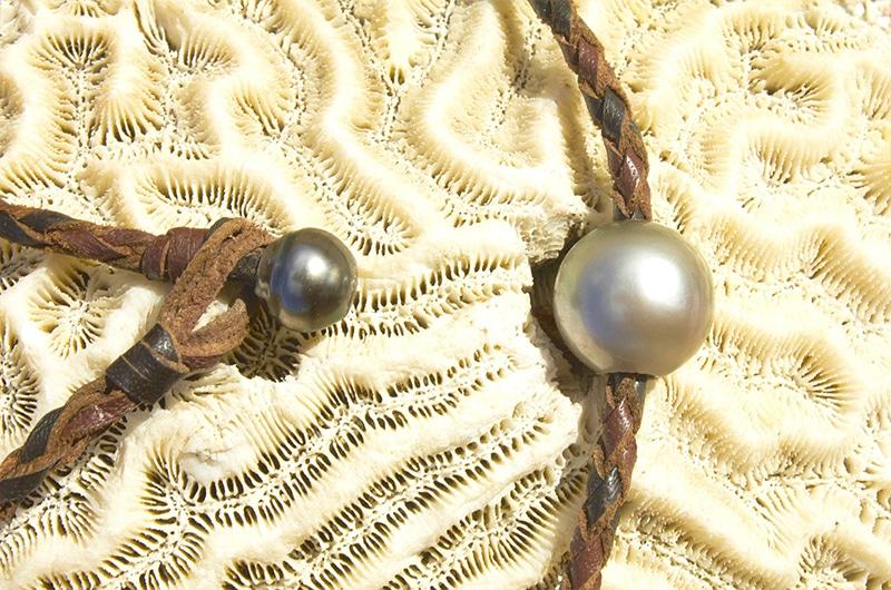 Collier ras du cou tressé et perles de Tahiti