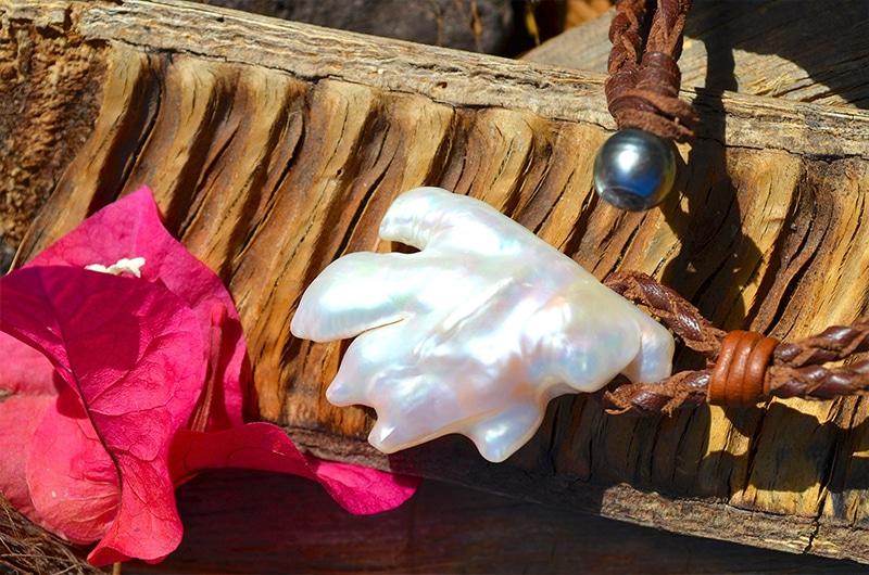 Collier tressé énorme perle baroque d'eau douce