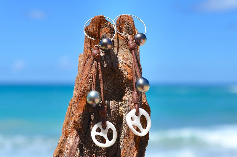 Creoles peace & love with Tahitian pearl