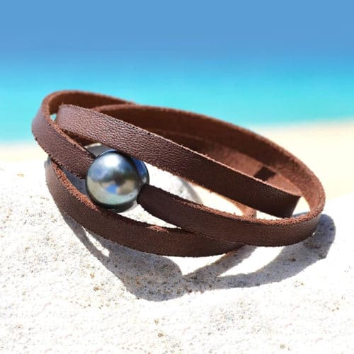 Flat leather bracelet 2 Tahitian pearls