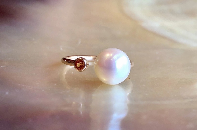 Gold, sapphire with pearl adjustable precious ring
