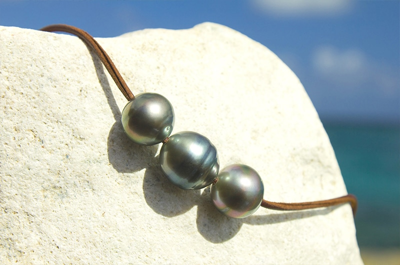 Long and Chocker Necklace 5 Tahitian Pearls