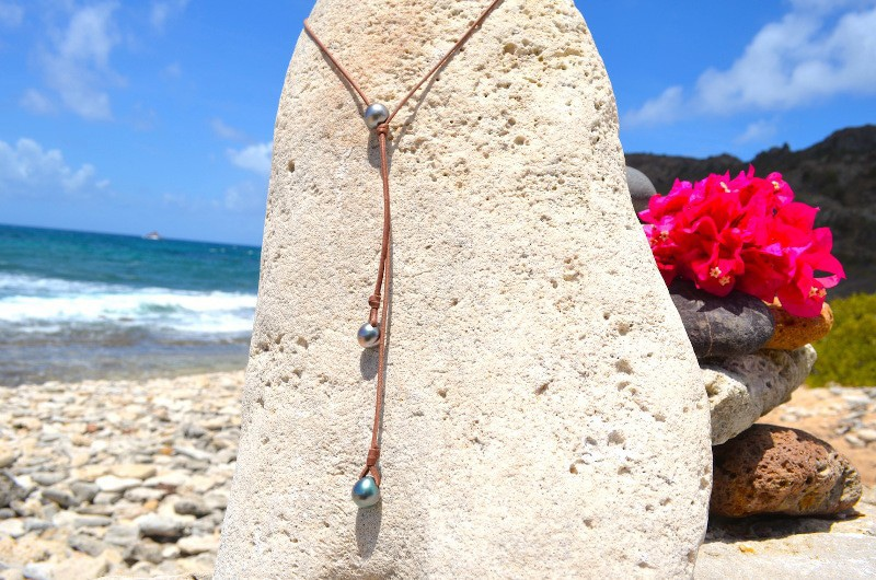 Long Necklace 3 semi baroque Tahitian Pearls (12mm)