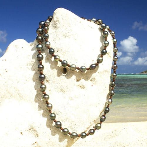 Long Necklace 68 Tahitian Pearls