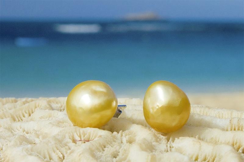 Post Earrings keishis gold