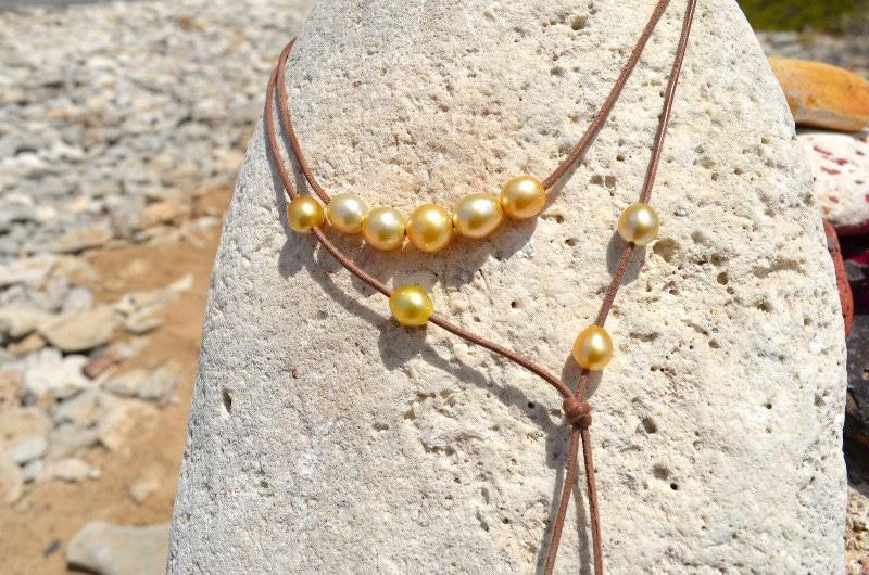 Sautoir 12 perles d'Australie dorée