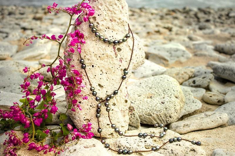 Sautoir 50 perles de Tahiti semi-baroques