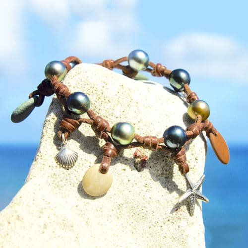Tahitian pearls and river pebbles bracelet