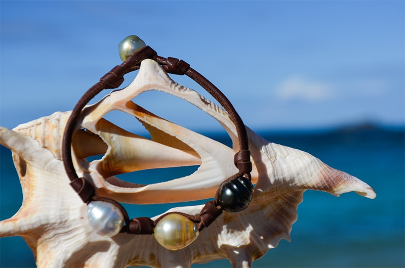 Bracelet 3 multicolored rimmed pearls and knots (10,5mm)