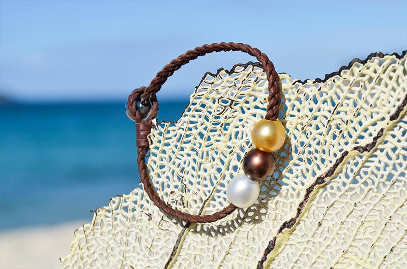 Bracelet tressé 3 perles multicolores 9mm