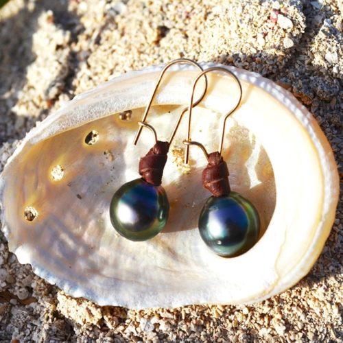 Boucles d'oreilles 2 perles Semi Rondes de Tahiti et cuir