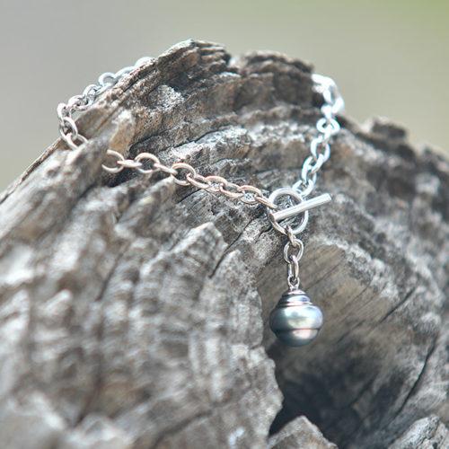 Bracelet avec chaine en argent et perle de Tahiti