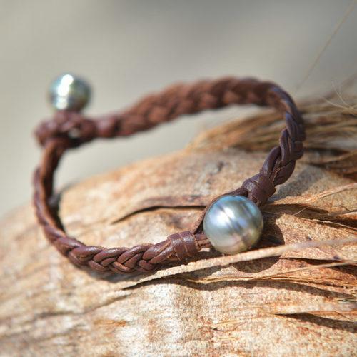 Bracelet en cuir tressé 6 fils et perles de Tahiti